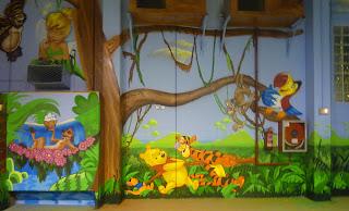 graffitis en parque infantil
