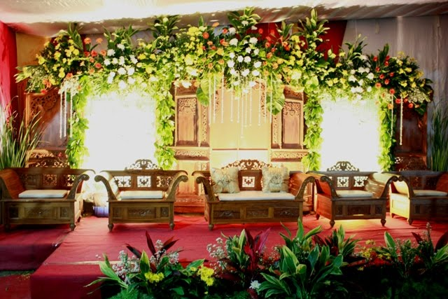Beautiful bridal room decor home design ideas for Wedding room decoration ideas