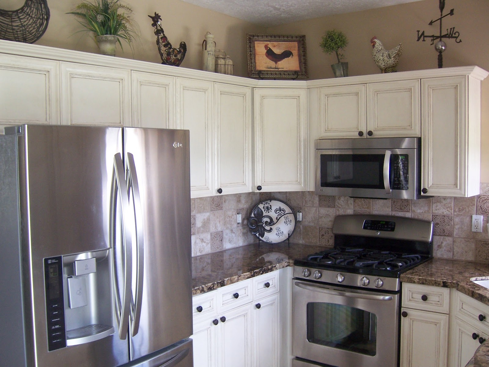 Painted Kitchen Cabinets With Stainless Steel Appliances