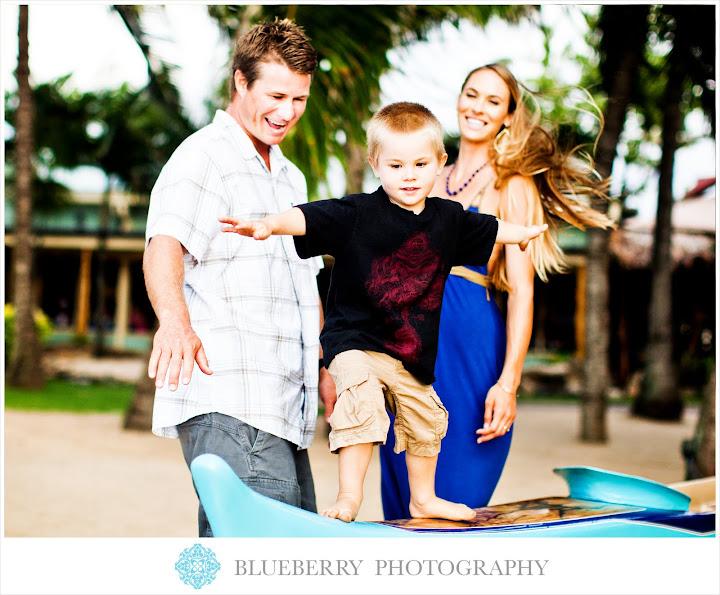 best hawaii wedding family documentary style portrait photographer