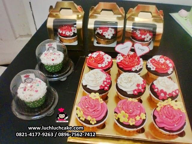 Cupcake Souvenir wedding pernikahan daerah surabaya - sidoarjo