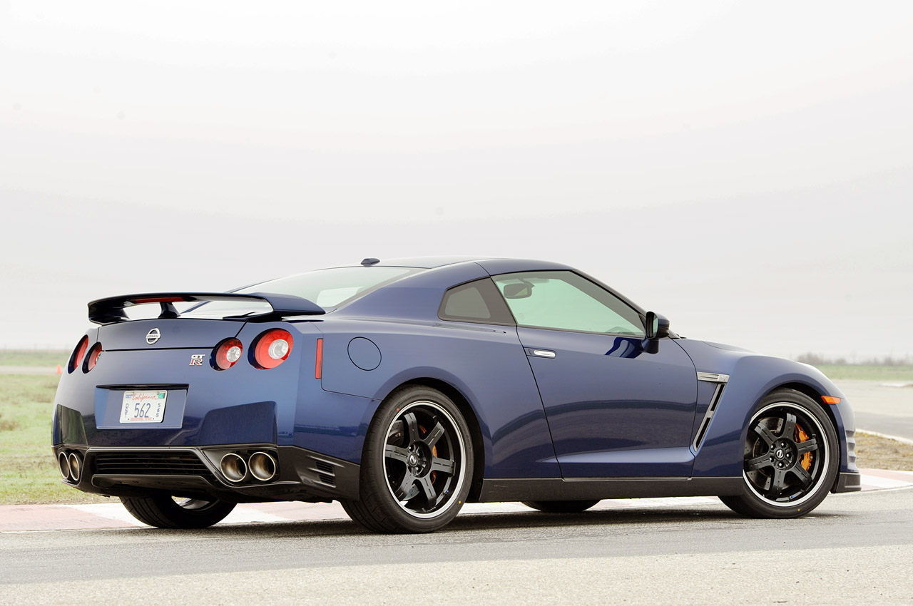 Dream Cars  Nissan GT R 2012