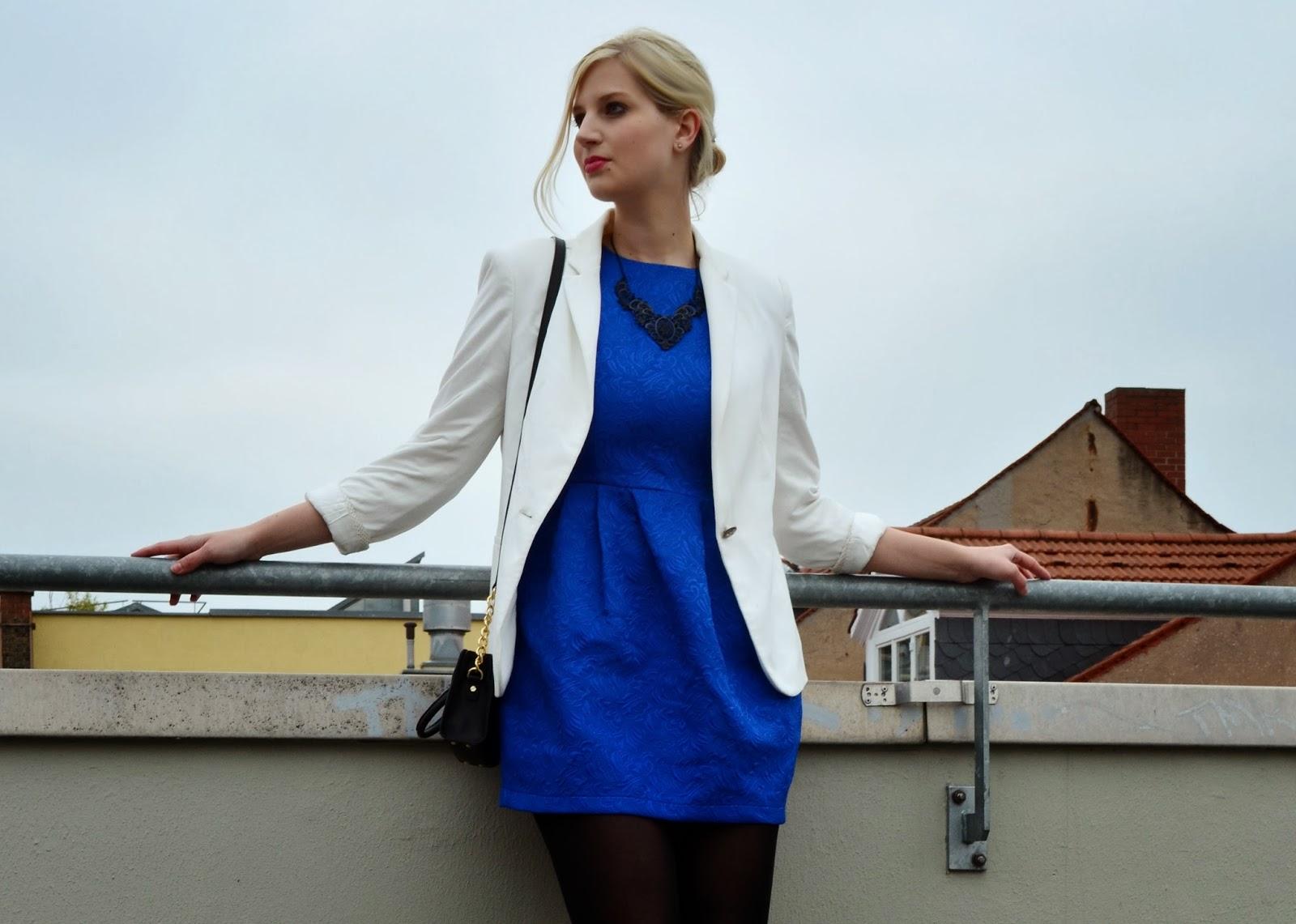 Blaues kleid blazer