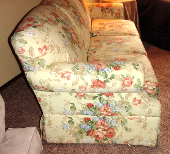 Genial For Sale: Bassett Floral Sofa Couch $185