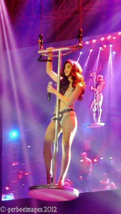 anne curtis sexy photos in araneta concert