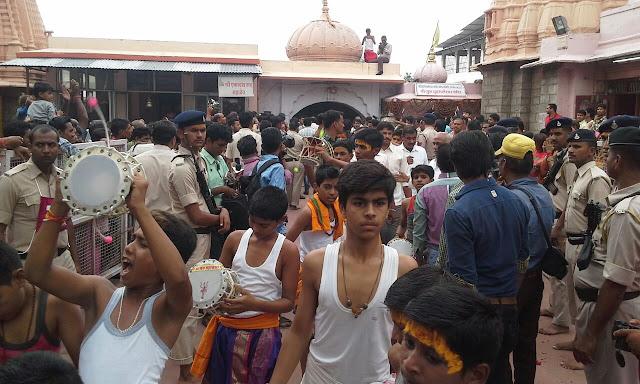 national-on-the-first-monday-of-shravan-philosophy-all-forms-of-riding-the-mahakala-ujjain-श्रावण के पहले सोमवार पर उज्जैन के महाकाल मंदिर में लगी भक्तों की भीड़