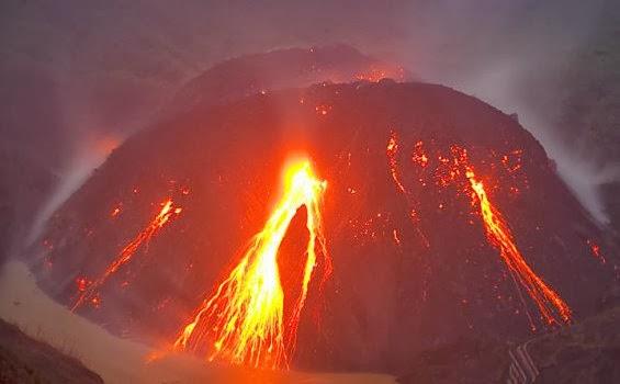 letusan gunung kelud,gambar gunung kelud