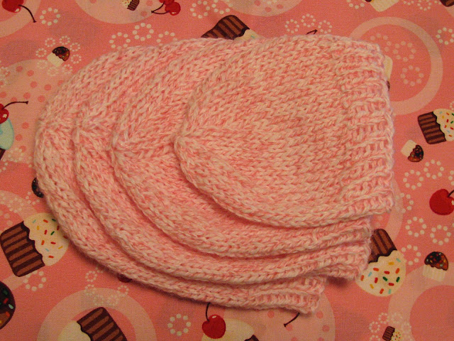 April Sprinkles: Bunches of baby hats!