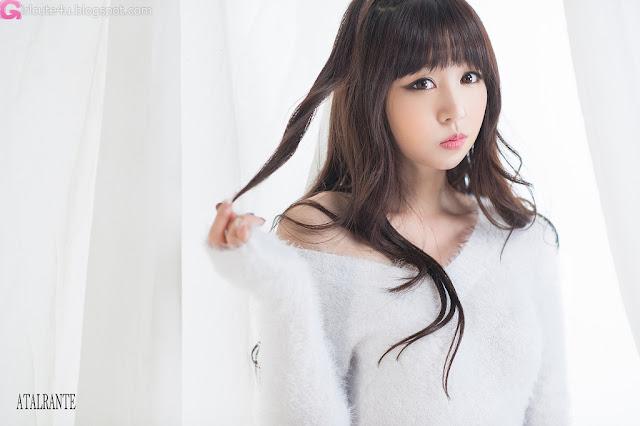 1 Hong Ji Yeon in Fluffy White-Very cute asian girl - girlcute4u.blogspot.com