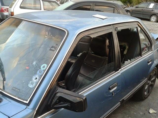 Vítima e companheira estavam dentro do carro quando foram baleados; vingança pode ter motivado crime (Foto: Aldo Matos/Acorda Cidade)