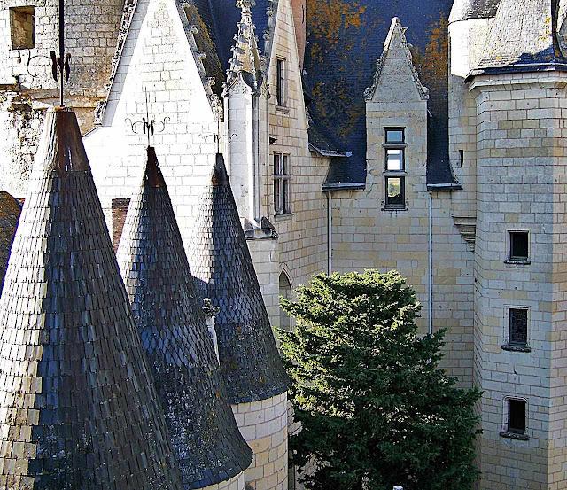 Um bosque imprevisível de torres desafia a chatice moderna