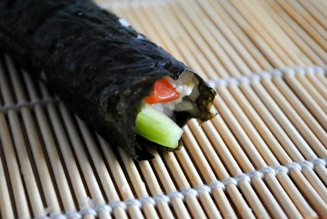 Готовим суши (роллы) в домашних условиях.