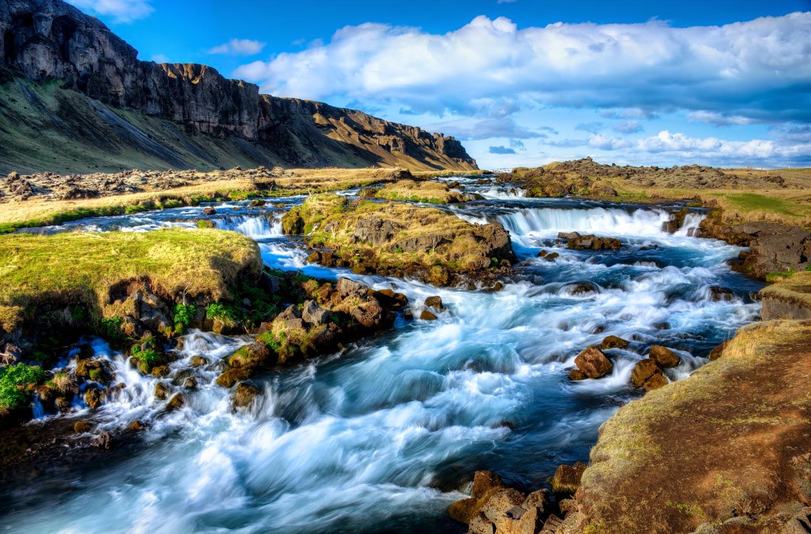 http://wirtagraphy.smugmug.com/FineArt/Iceland/27229866_BJmHf7#!i=3301169937&k=p5wDKRj