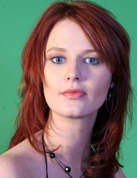 Coloracion de cabello con luminosos reflejos