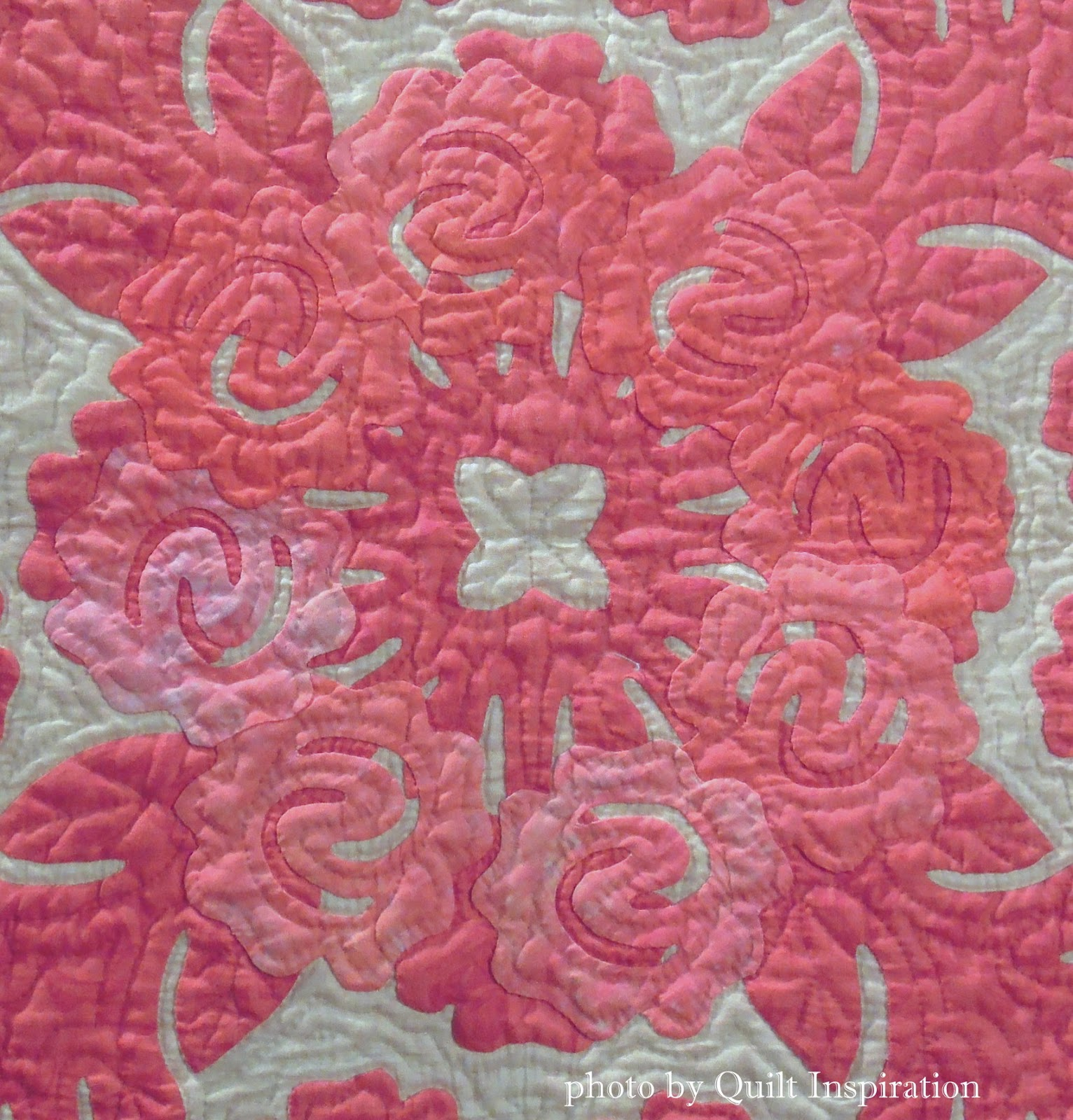 Quilt Inspiration: Hawaiian quilts by Japanese masters
