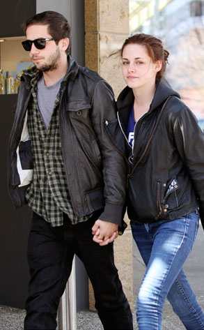 Kristen Stewart with her Boyfriend | Global Celebrities Blog