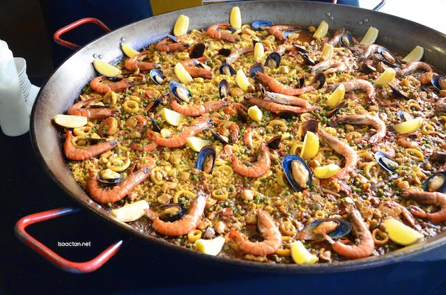 Paella served at La Bodega