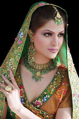 Ethnic Bridal Makeup : SHE FASHION CLUB: traditional indian bridal makeup