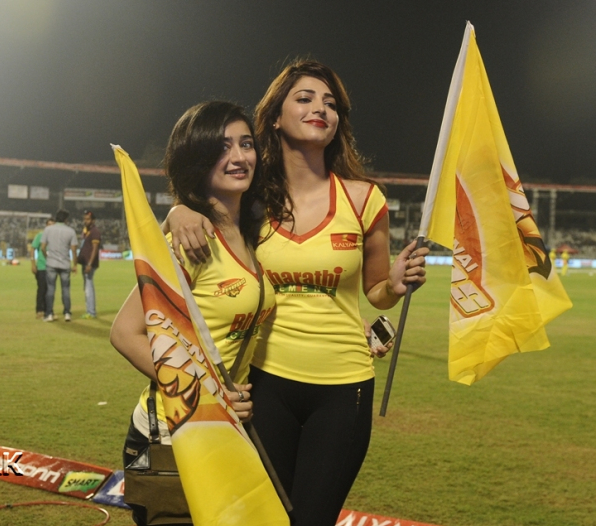 Sruthi Hasan supports CCL franchise Chennai Rhionos