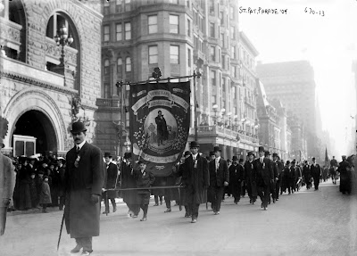 St. Patrick Parade, Fifth Ave., New York 1909