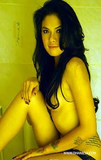 KUMPULAN FOTO HOT DAN PANAS ARTIS INDONESIA