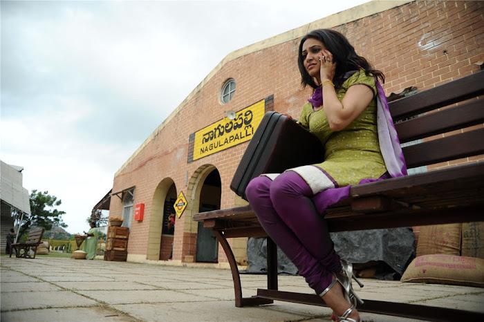 kruthi karbanda from mr nokia movie, kruthi karbanda actress pics
