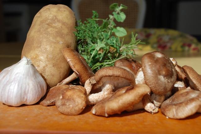 ... the Kitchen: Twice Baked Potatoes with Garlic Herb Shitake Mushrooms
