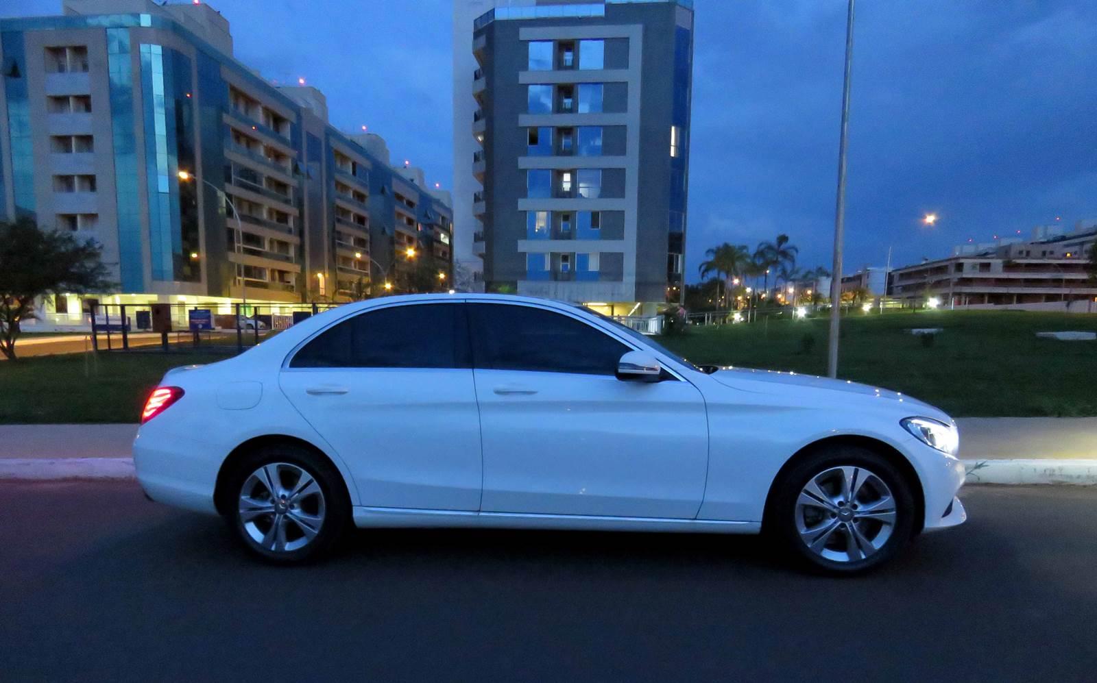 Mercedes-Benz C180 x Audi A4 x BMW Série 3