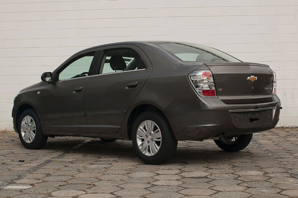 car i Chevrolet Cobalt 2014