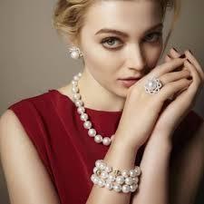 http://www.amazon.com/Shamballa-Style-Bracelet-Crystal-Hematite/dp/B009987RPA/ref=sr_1_2?s=jewelry&ie=UTF8&qid=1347997026&sr=1-2&keywords=aya+shamballa