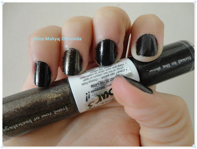 Essence Nail Colour 3- Ticket to the Show