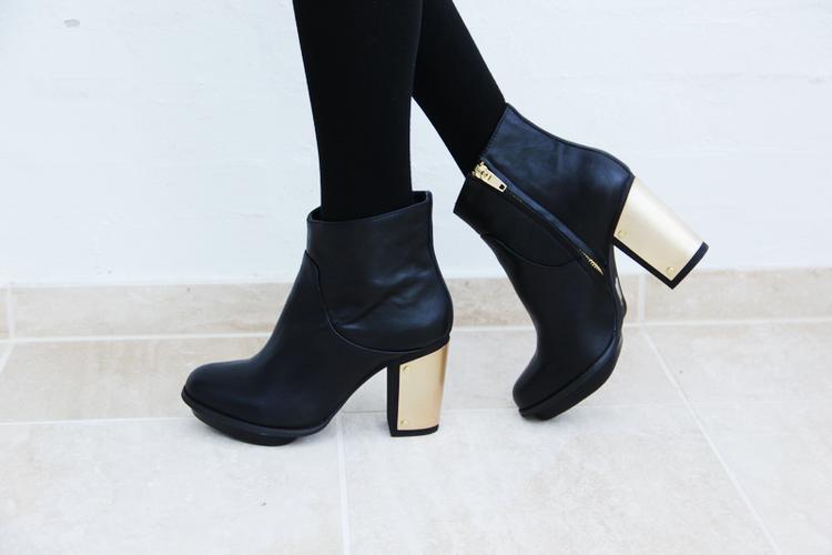 Booties With Gold Heel Fs Heel