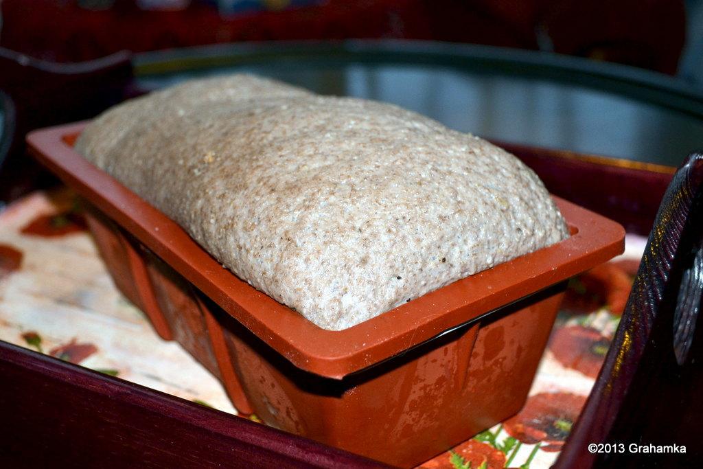 Wyrośnięty chleb, zaraz wjazd do piekarnika.