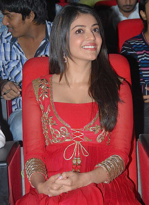 kajal agarwal at businessman audio launch, kajal new glamour  images