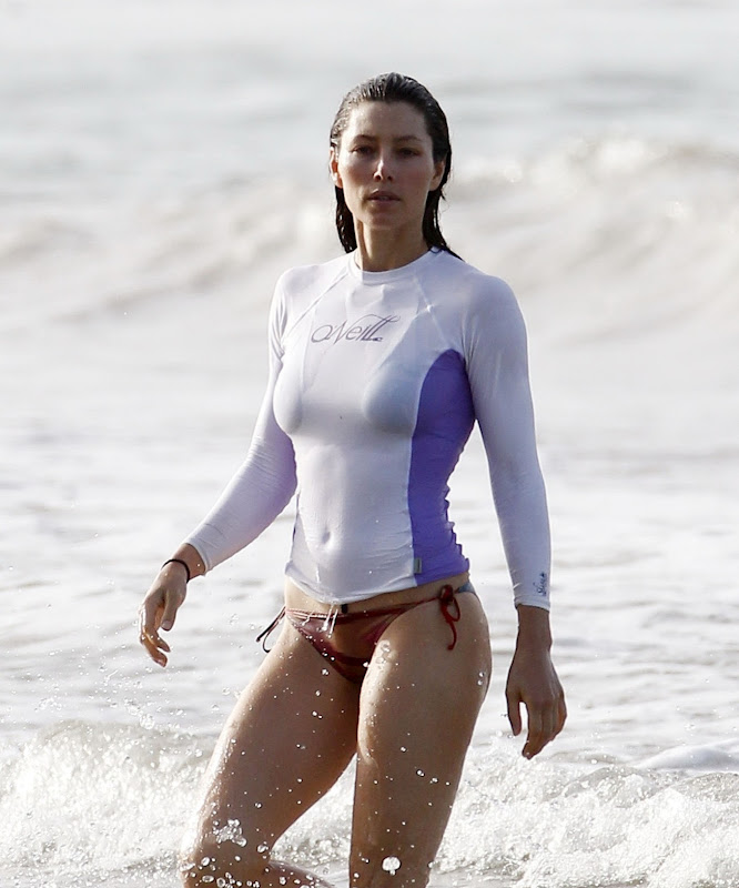 Jessica Biel in Bikini on a beach in Puerto Rico