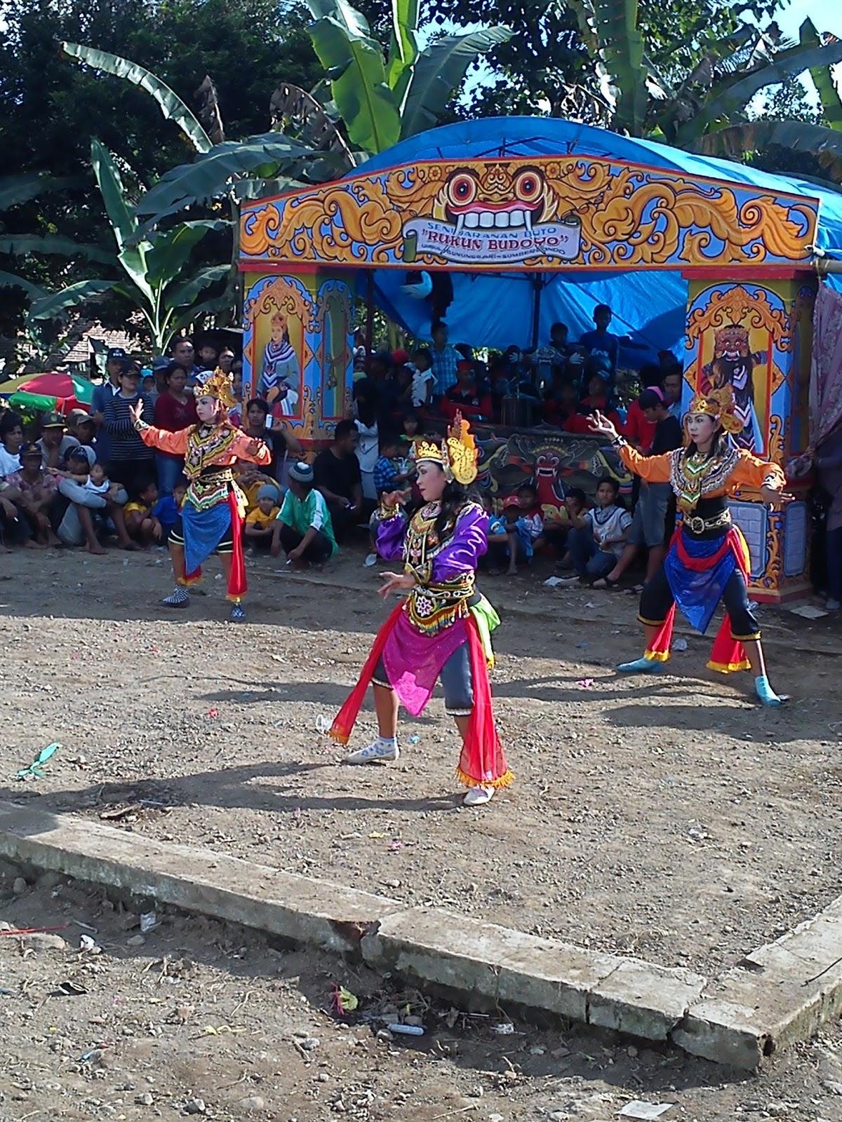 Pengertian dari kata tradisi adat   Pribumi Jawa