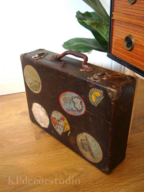 Comprar maletas de madera antiguas para decoración