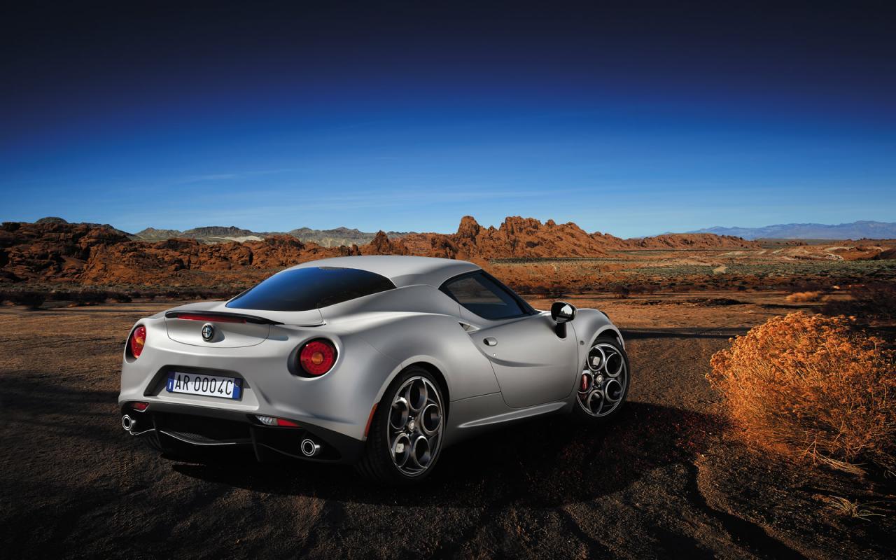 Alfa+Romeo+4C+2.jpg