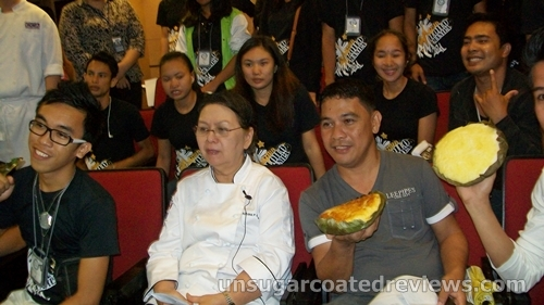 "Chef Annie Guerrero with students of ""Malabon's Best"" culinary class"