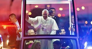 El papa se reunió con víctimas de abusos sexuales en Filadelfia