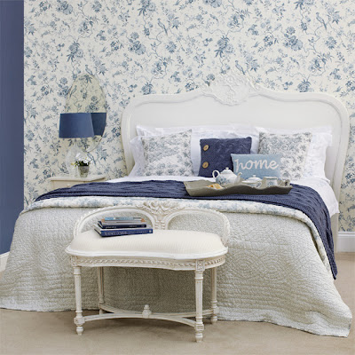 Bedroom decorating with the right furniture