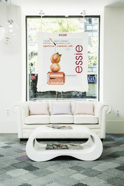 20+3 by essie, el primer salón de belleza 100% essie que se abre en España, anticrisis, manicura, pedicura