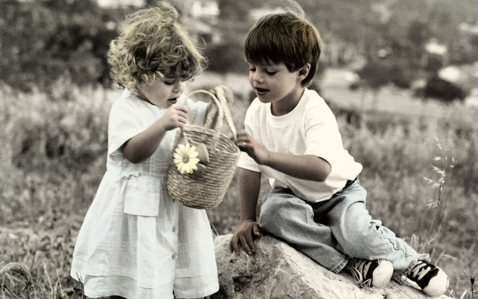 Children Love Wallpaper - Wallpapers And Pictures