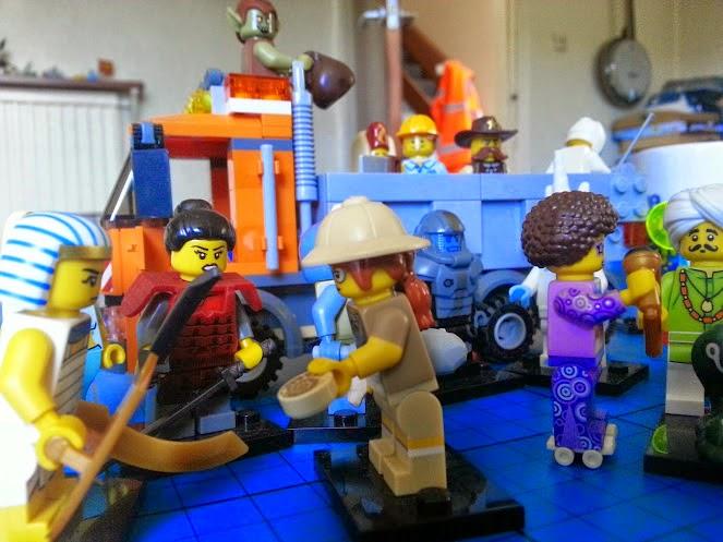 LEGO Minifigures series 13 paleantologist samurai disco queen