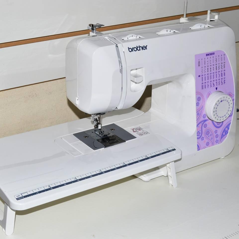 Maquina de coser bm3850 brother con mesa aux 70 puntadas - Mesa para maquina de coser ikea ...