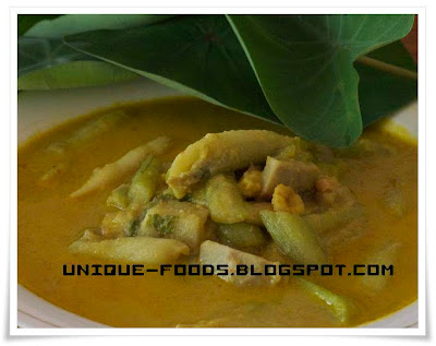 Indonesian traditional soup for today is Colocasia Esculenta or lompong.