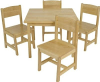 Kid's table and chairs at Amazon