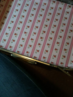 Vintage Suitcase | DIY Reupholstered Samsonite Suitcase with Cath Kidston Wallpaper