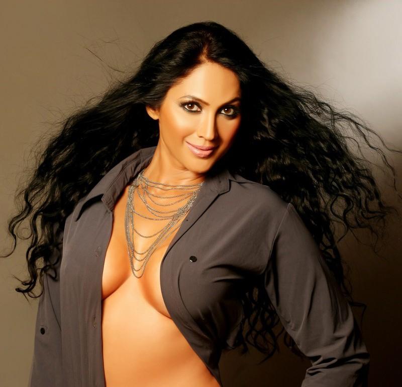 Rachel Aldana Nude Photos 15