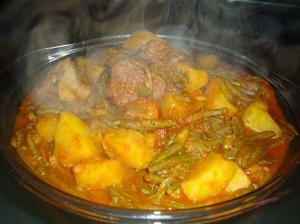 Ragoût tunisien aux haricots verts et au mouton – Marqet loubia  khadhra bel 'allouch